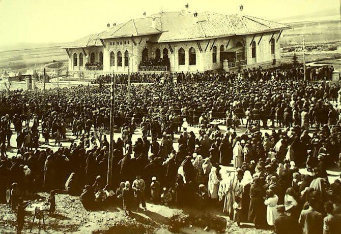 23 Nisan 1920 – 100 Yıl Önce Ankara'da Açılan Büyük Millet Meclisi    (Muzaffer Albayrak)